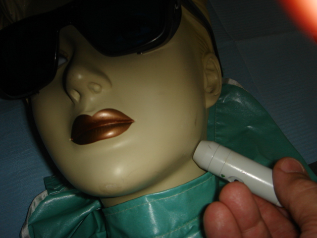 laser, laserterapie, terapie laser, faringita, laringita, amigdalita, angina, angine, palatin, palatine, vocal, vocala, voce, voci, laringe, corzi vocale